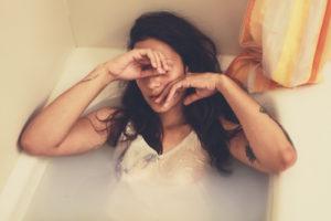 Gefühle unterdrücken: Wie und warum?