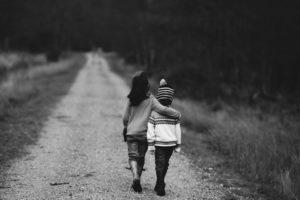 Verbundenheit und menschliche Verbindung spüren