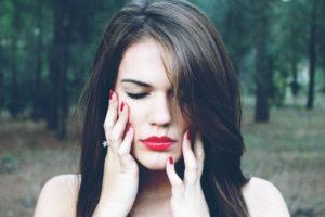 Negative Gedanken liebevoll stoppen und ändern